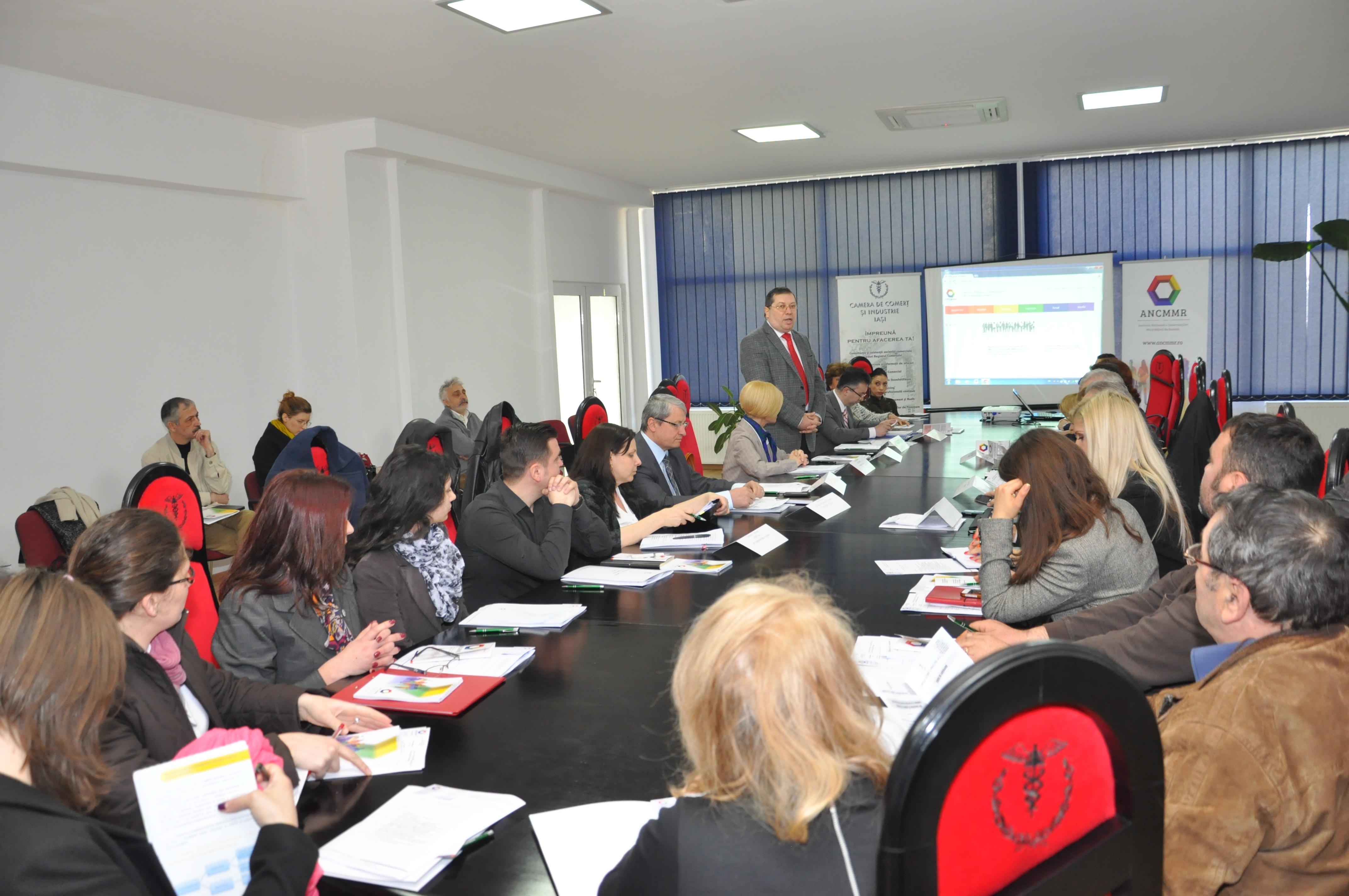 Micii comercianţi ieşeni şi-au prezentat problemele în prima întâlnire locală a Asociaţiei Naţionale a Comercianţilor Mici şi Mijlocii din România