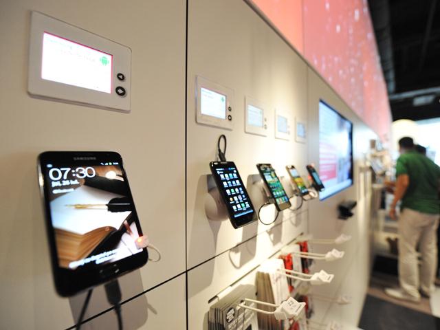 ZF: Retailerii independenţi au câştigat încă 10% din vânzările de telefoane de la operatori