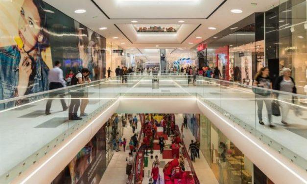 Retailul nealimentar a înregistrat în iulie-august scăderi de până la 75%