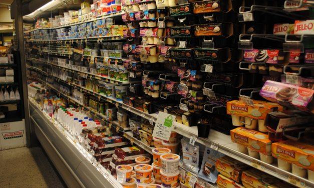 Deși importurile cresc, vânzările de alimente au stagnat în primele trei luni ale anului