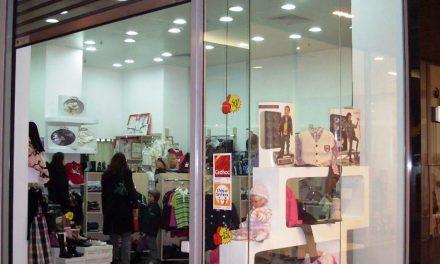 Magazinele vor fi obligate să afişeze la reduceri cel mai scăzut preţ din ultimele 30 de zile înainte de ofertă